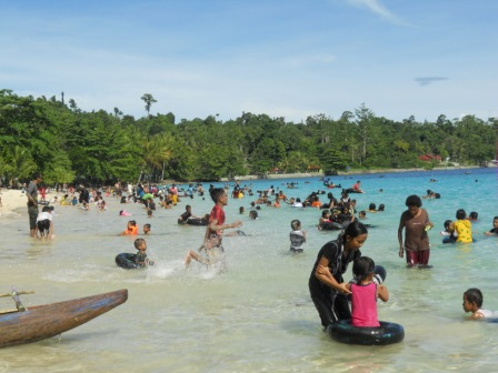Daya Tarik Wisata Manokwari Papua Pantai Pasir Putih Pulau Terletak