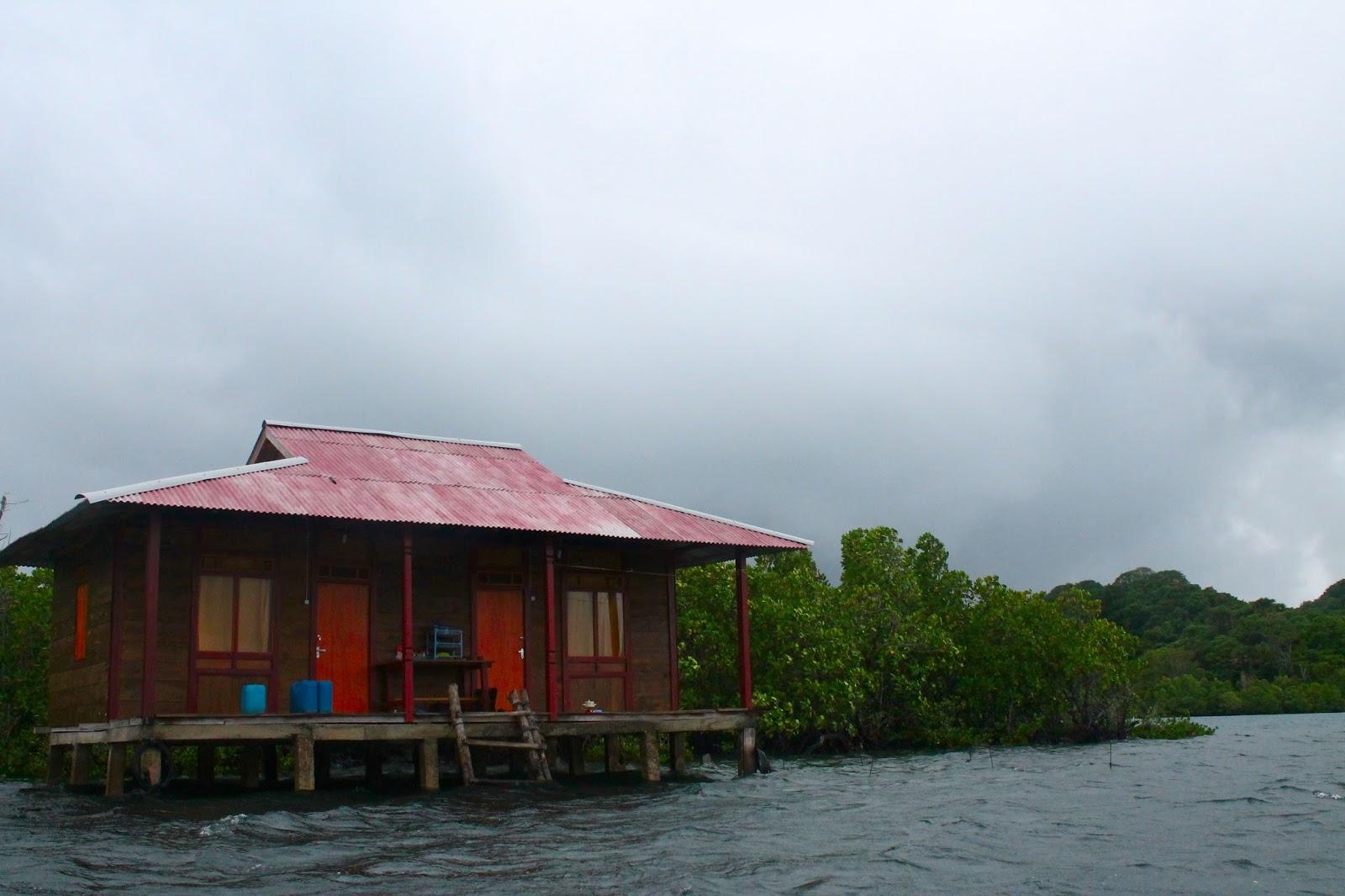 Desa Wisata Bahari Tumbak Posumaen Minahasa Tenggara Sulawesi Utara Jarak