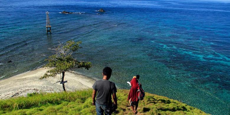 Mendaki Pulau Baling Rasakan Sensasinya Kompas Taman Laut Tumbak Kab