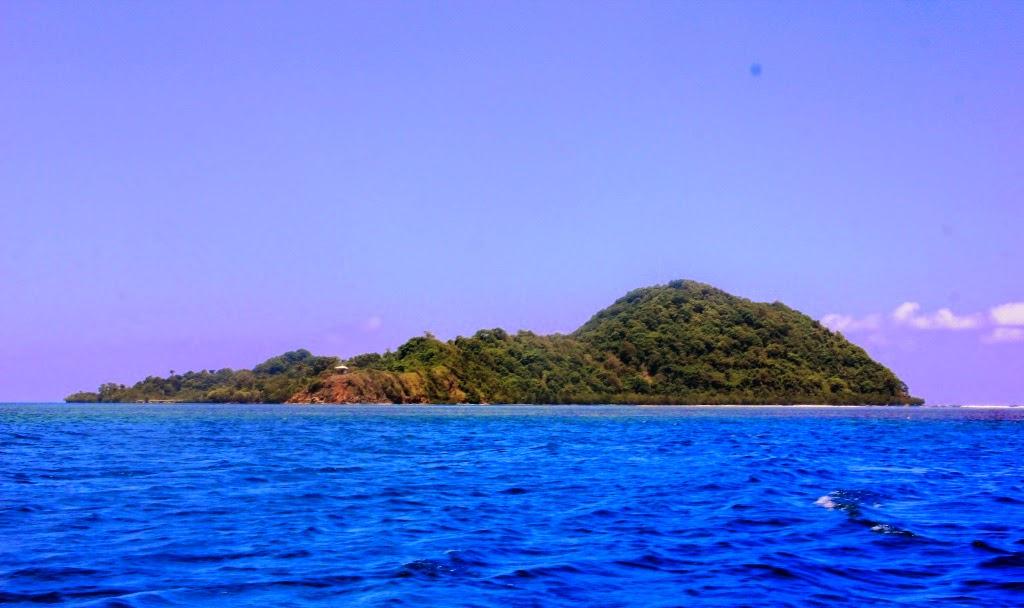 Pulau Tumbak Wisata Bahari Tersembunyi Sulawesi Utara Taman Laut Kab