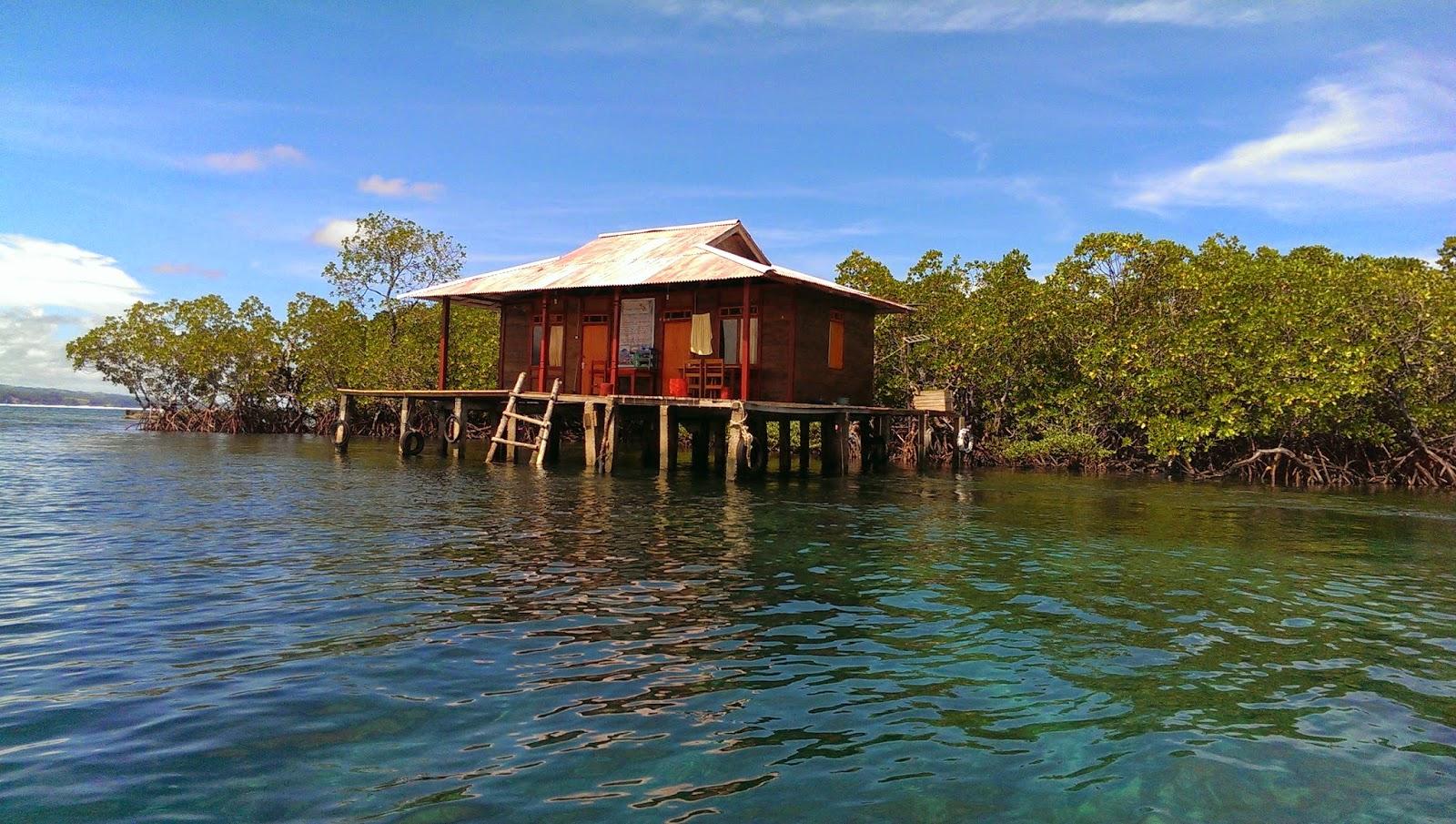 Wisata Sulawesi Utara Tumbak Jelajah Indonesia Water Cottage Taman Laut