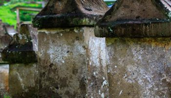 Foto Waruga Taman Purbakala Sawangan Zona Utara Jejak Peradaban Megalitikum