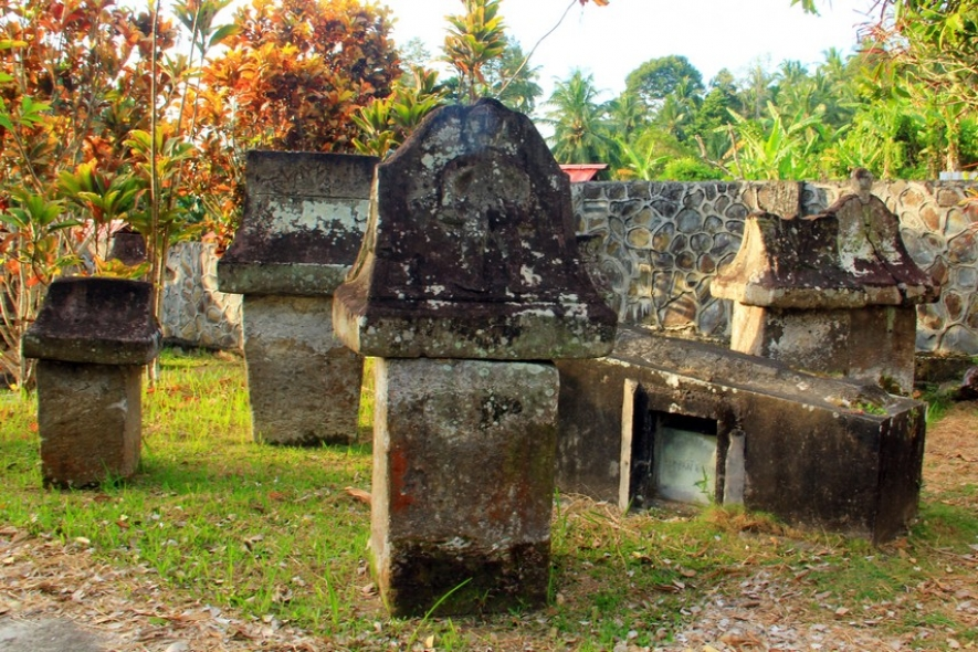 Situs Waruga Minahasa Utara Sawangan Kab