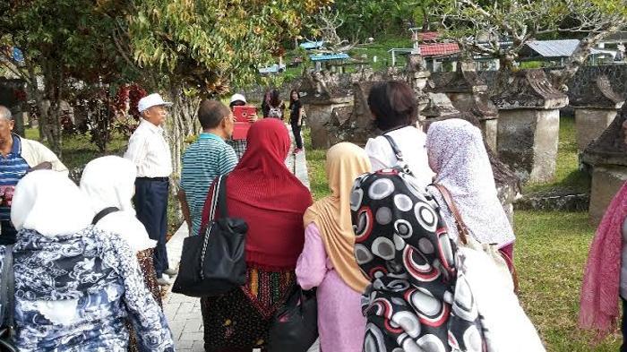 Taman Purbakala Waruga Sawangan Minahasa Utara Jejak Pemandu Wisata Memberi