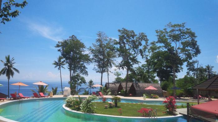 Airmadidi Kota Kelapa Minahasa Utara Sulawesi Kolam Renang Kinaari Resort