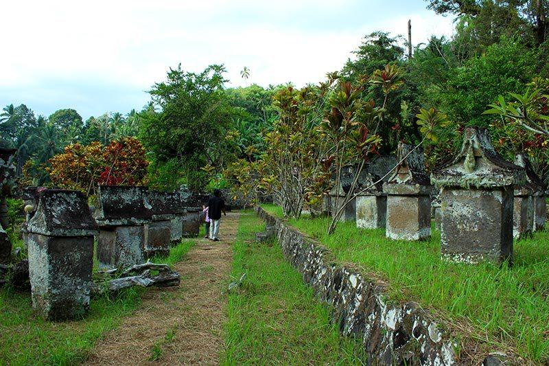 Waruga Sawangan Wisata Sejarah Zaman Megalitik Sulawesi Utara Https I1