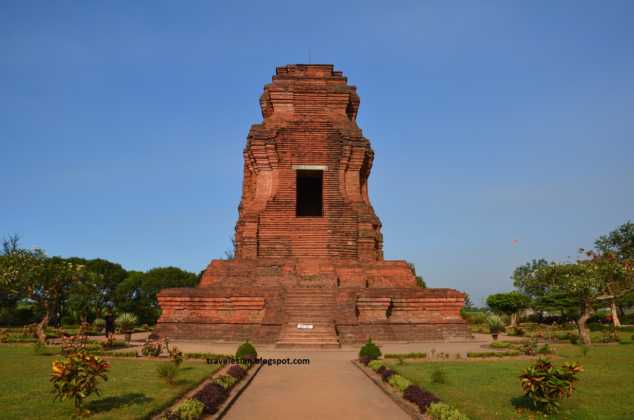 Travel Indonesia Brahu Temple Crematorium King Candi Kab Mojokerto
