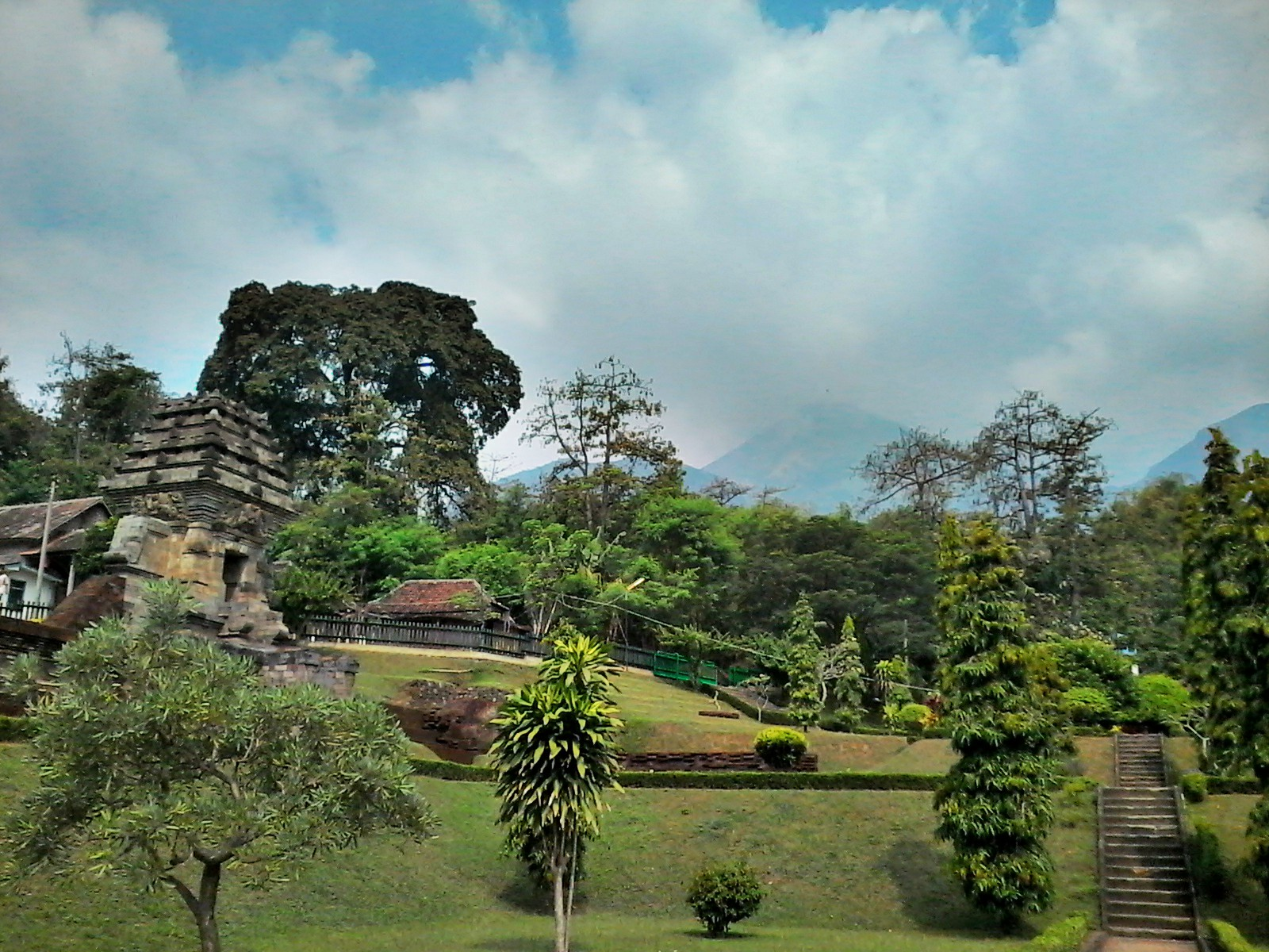 Candi Jedong Cantik Berdiri Kaki Pawitra Wanderpals Image Kab Mojokerto