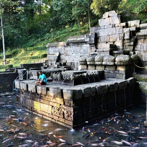 26 Tempat Wisata Mojokerto Sekitarnya Murah Candi Jolotundo Kab