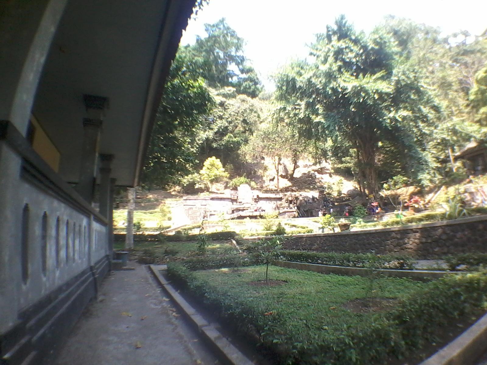 Cerita Catatan Samid Tersesat Gunung Penanggungan Mojokerto Suasana Candi Jolotundo