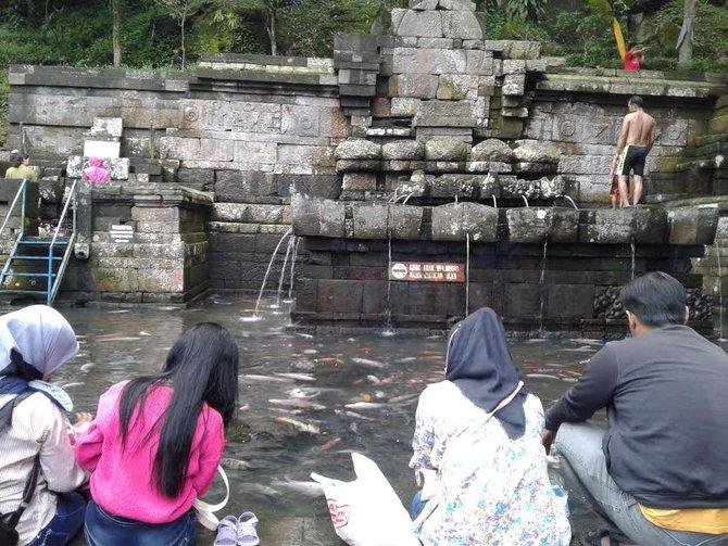 Keajaiban Air Candi Jolotundo Kualitas Hampir Setara Zam Menurutnya Mata