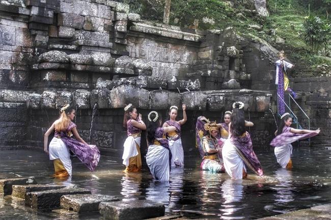 Mojokerto Trip Situs Sejarah Wisata Alam Hingga Thailand Warung Apung