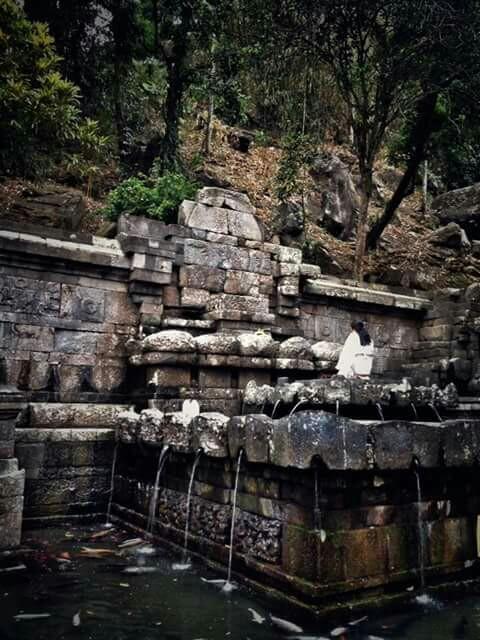 Prasasti Peninggalan Kerajaan Majapahit Telogo Jolotundo Trowulan Mojokerto Jawa Timur