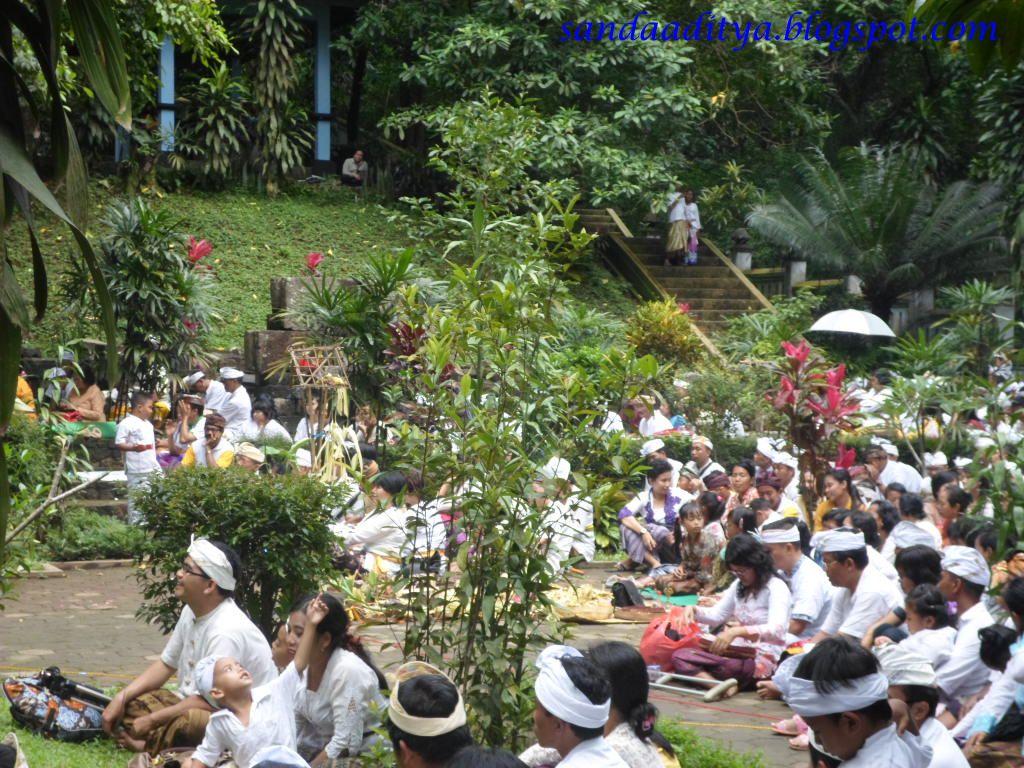 Sandstory Candi Jolotundo Pplh Seloliman Perayaan Nyepi Kab Mojokerto