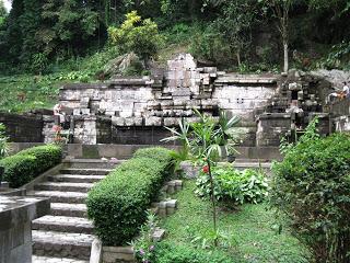 Site Culture Kab Mojokerto Kec Trawas Pemandian Candi Jolotundo Terletak