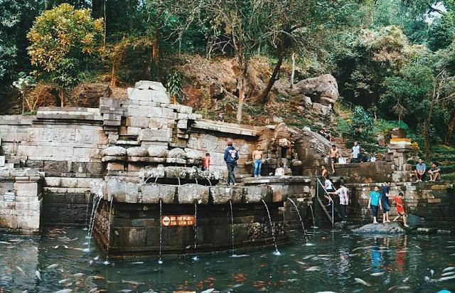 Wisata Petirtaan Jolotundo Mojokerto Airnya Berkhasiat Lokasi Area Terletak Lereng