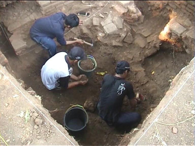Keris Nusantara Bangunan Kanal Air Kerajaan Majapahit Temukan Menurut Manajer