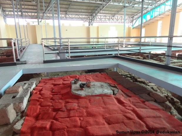 Reruntuhan Rumah Putri Kedaton Blogna Fh Sumur Upas Candi Kab