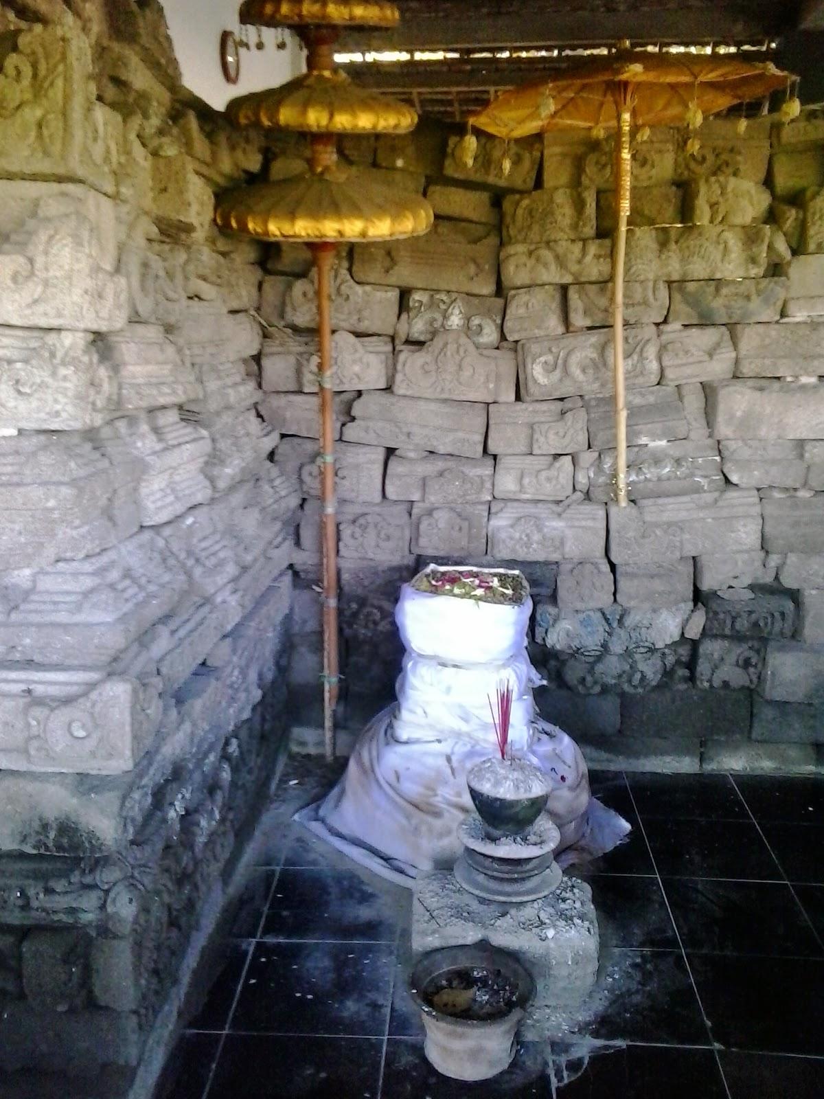 Kumpulan Artikel Bermanfaat Juli 2014 Candi Watu Tulis Terletak Desa