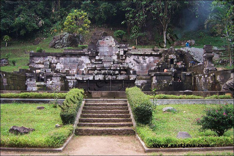 Wisata Petirtaan Jolotundo Mojokerto Airnya Berkhasiat Sebenarnya Berupa Situs Candi