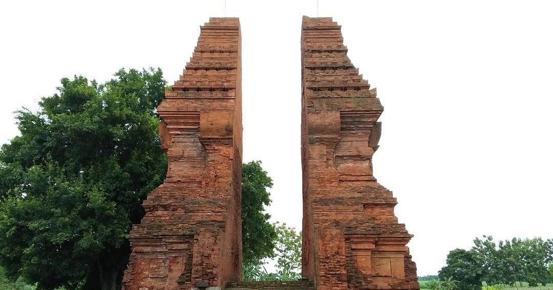 Gapura Wringin Lawang Candi Peninggalan Kerajaan Majapahit Mojokerto Kab