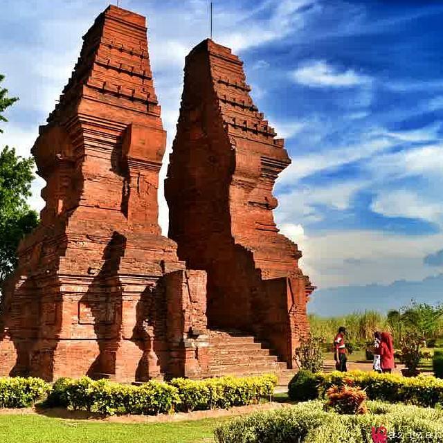 Obyek Wisata Sejarah Candi Wringin Lawang Mojokerto Kab
