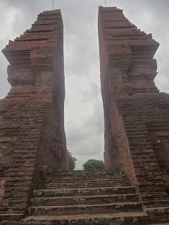 Wisata Candi Wringin Lawang Mojokerto Kab