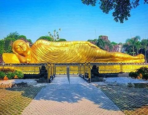 3 Wisata Cagar Budaya Peninggalan Kerajaan Majapahit Trowulan Patung Budha