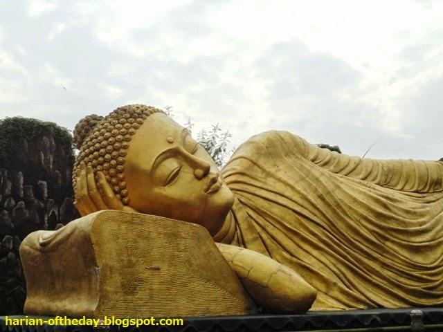 Day Ternyata Sleeping Buddha Maha Vihara Patung Tidur Miring Kanan