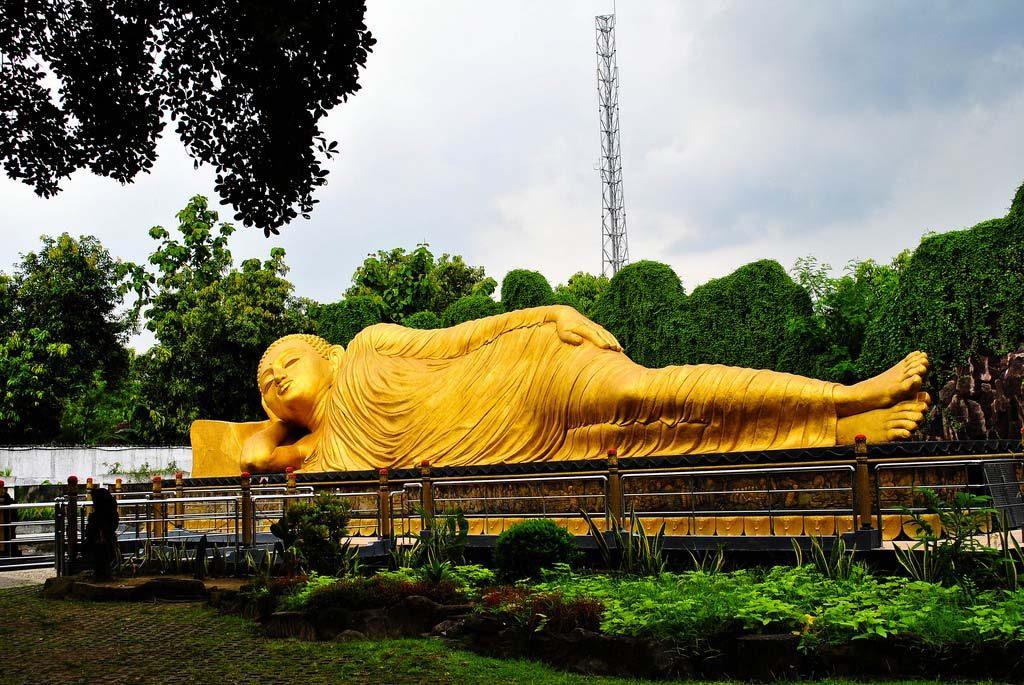 Full Day Tour Trowulan Mojokerto Keliling Nusantara Description Maha Vihara