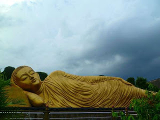 Indonesia Punya 3 Patung Buddha Tidur Tidak Sembarang Vihara Pertama