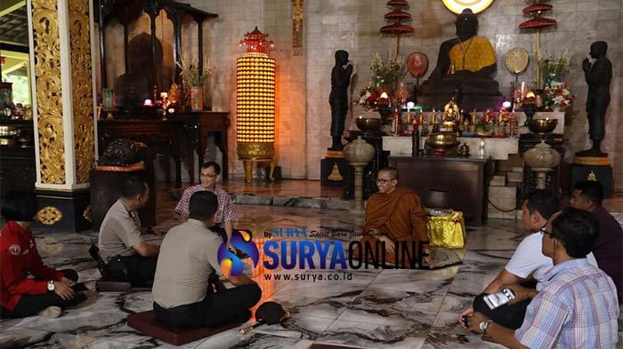 Jaga Keamanan Umat Beragama Kapolres Mojokerto Kunjungi Maha Vihara Majapahit