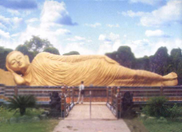 Maha Vihara Patung Budha Pusaka Jawatimuran Berada Kompleks Mojopahit Desa