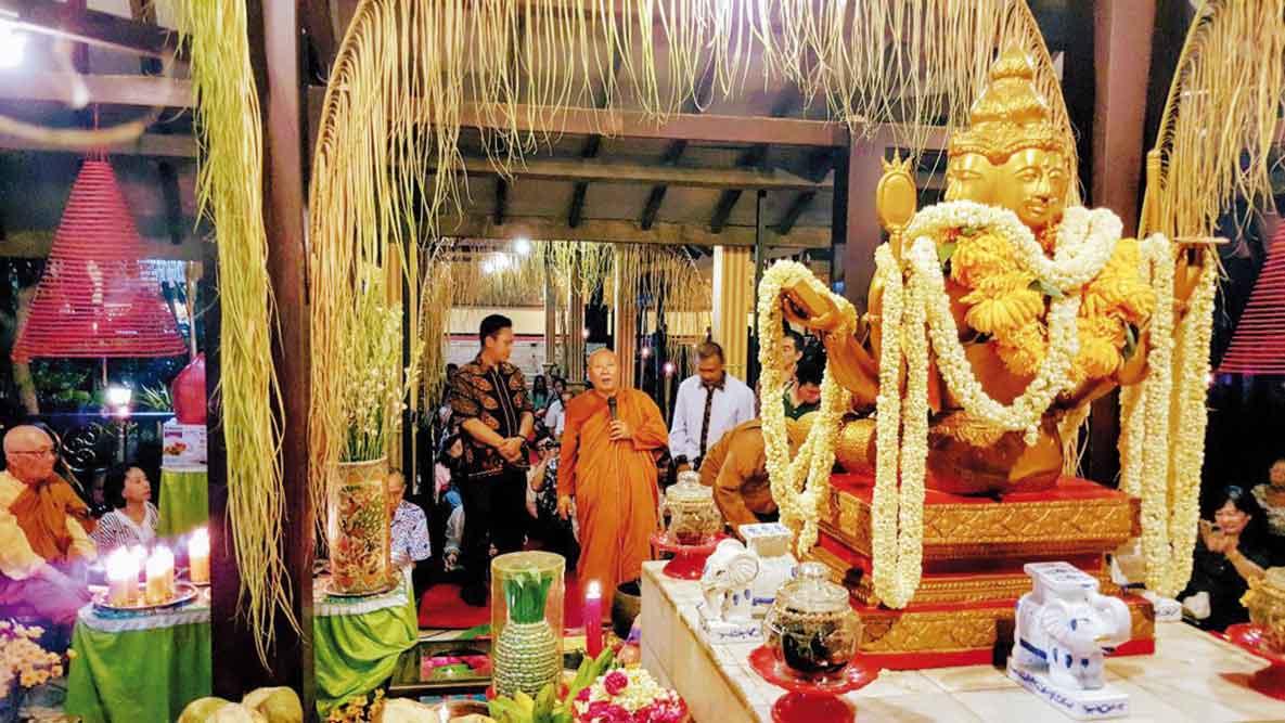 Mahavihara Mojopahit Kampung Wisata Budaya Trowulan Swaranews Mojokerto Termasuk Salah