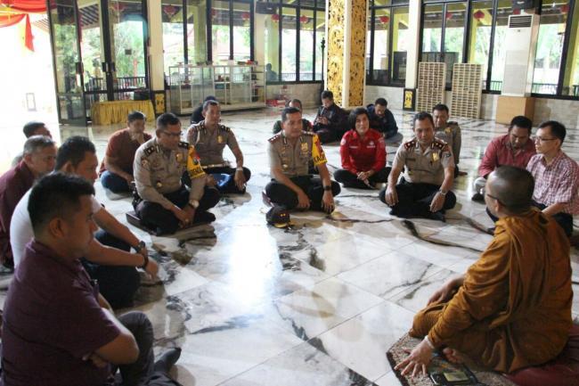 Silaturahmi Kapolres Mojokerto Kunjungi Mahavihara Majapahit Jalin Maha Vihara Mojopahit