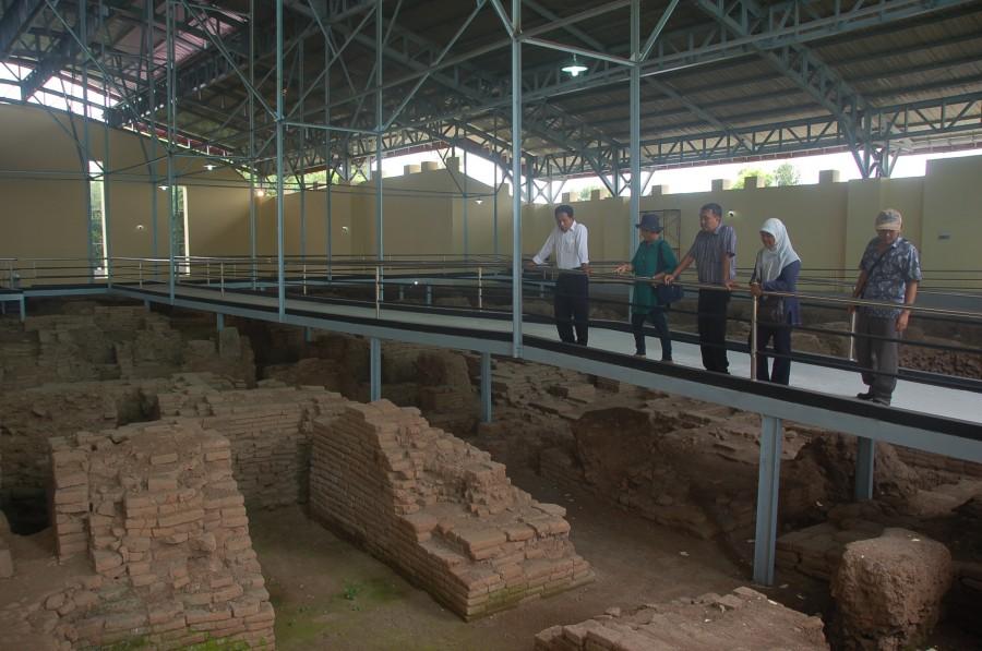 7 Tempat Bersejarah Mojokerto Bisa Kamu Kunjungi Satu Jam Situs