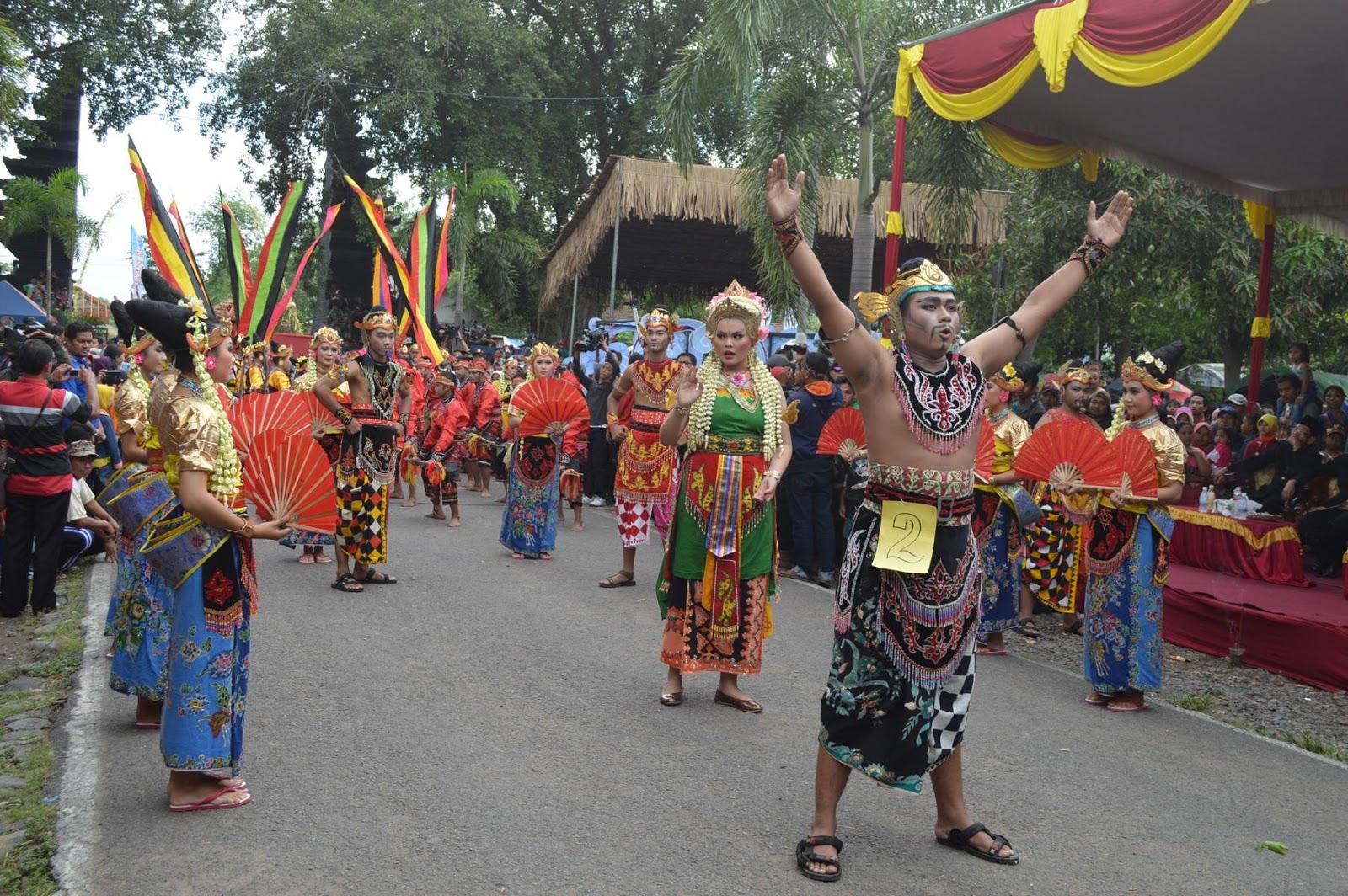 C52 Onlen October 2016 Acara Kirab Ruwat Agung Nuswantara Foto