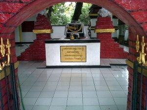 Makam Panjang Majapahit Museum Daring Troloyo Mojokerto Kab