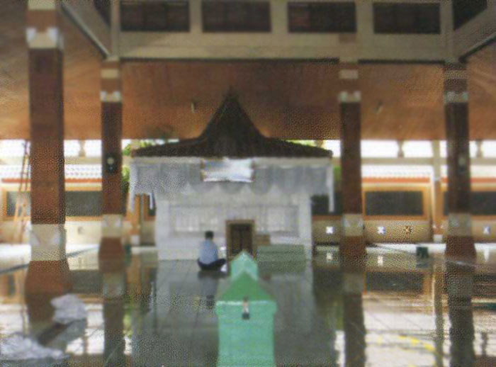 Makam Troloyo Kabupaten Mojokerto Pusaka Jawatimuran Sebagai Bukti Komunitas Penganut