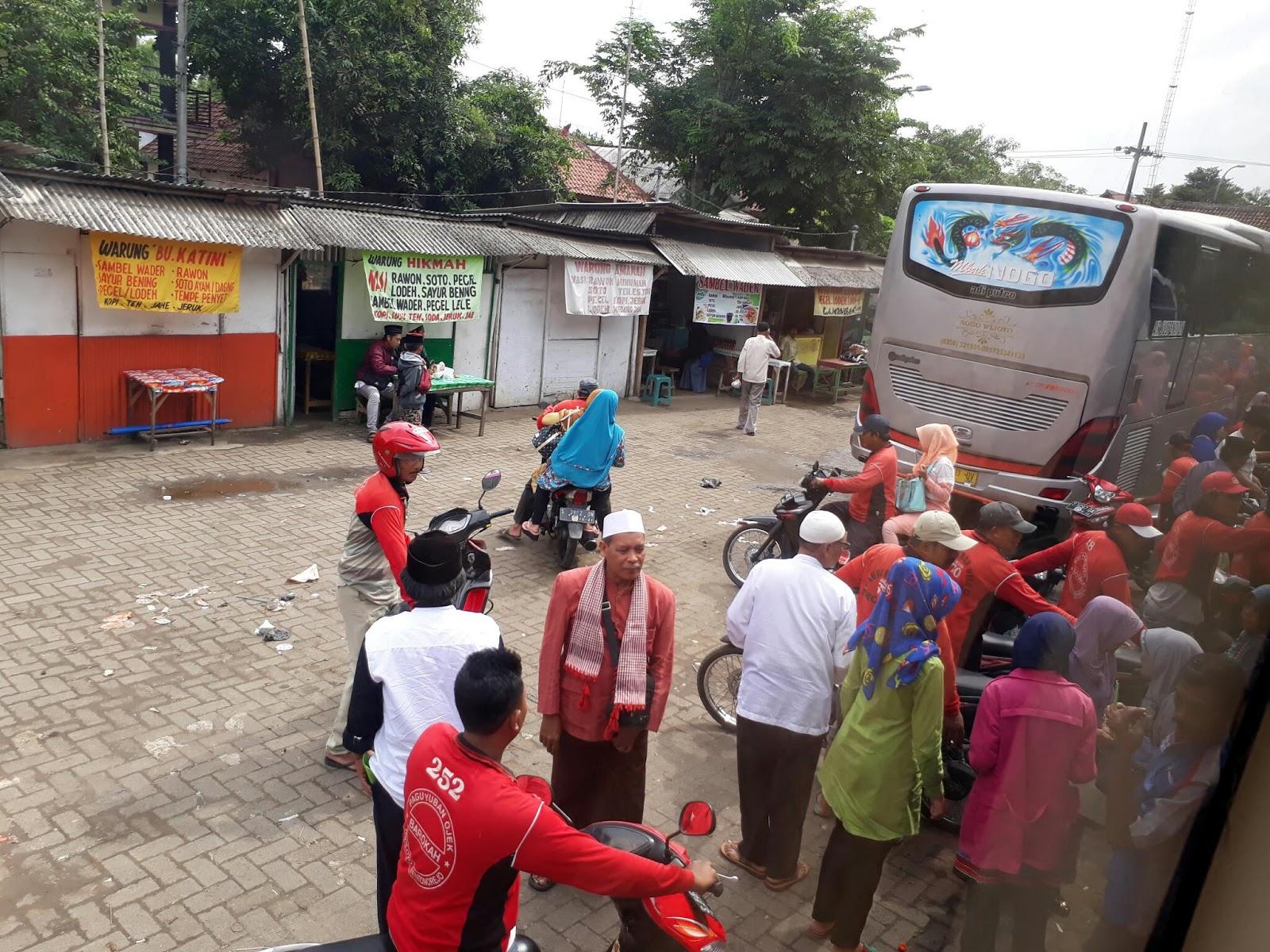 Makam Troloyo Mojokerto Jasa Ojek Parkiran Bus Menuju Cukup Kab