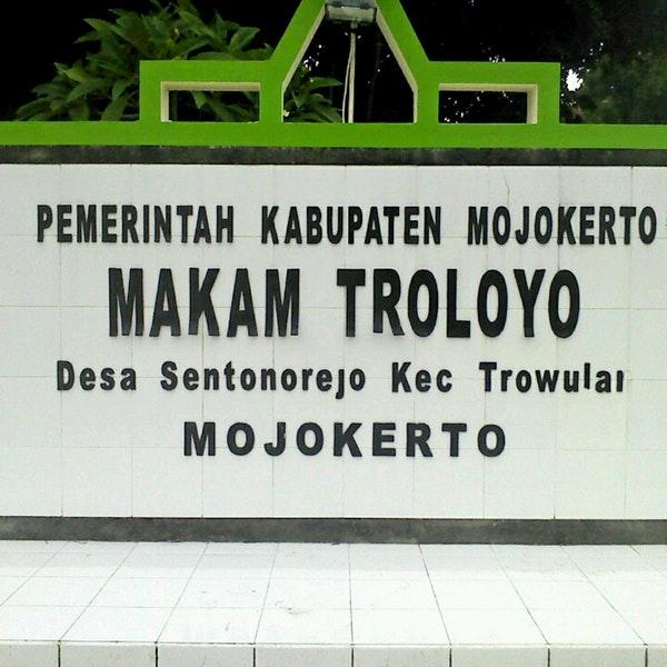 Photos Makam Troloyo Kec Trowulan Kab Mojokerto Photo Ajid 3