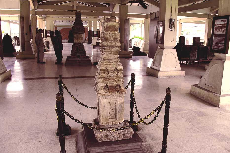 Destinasi Wisata Sejarah Museum Trowulan Mojokerto Sanggar Gubug Wayang Kab