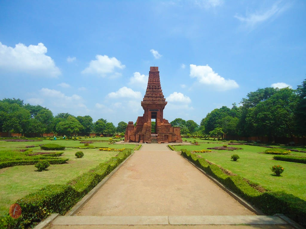 Info Mojokerto Cerita Candi Bajang Ratu Museum Sanggar Gubug Wayang
