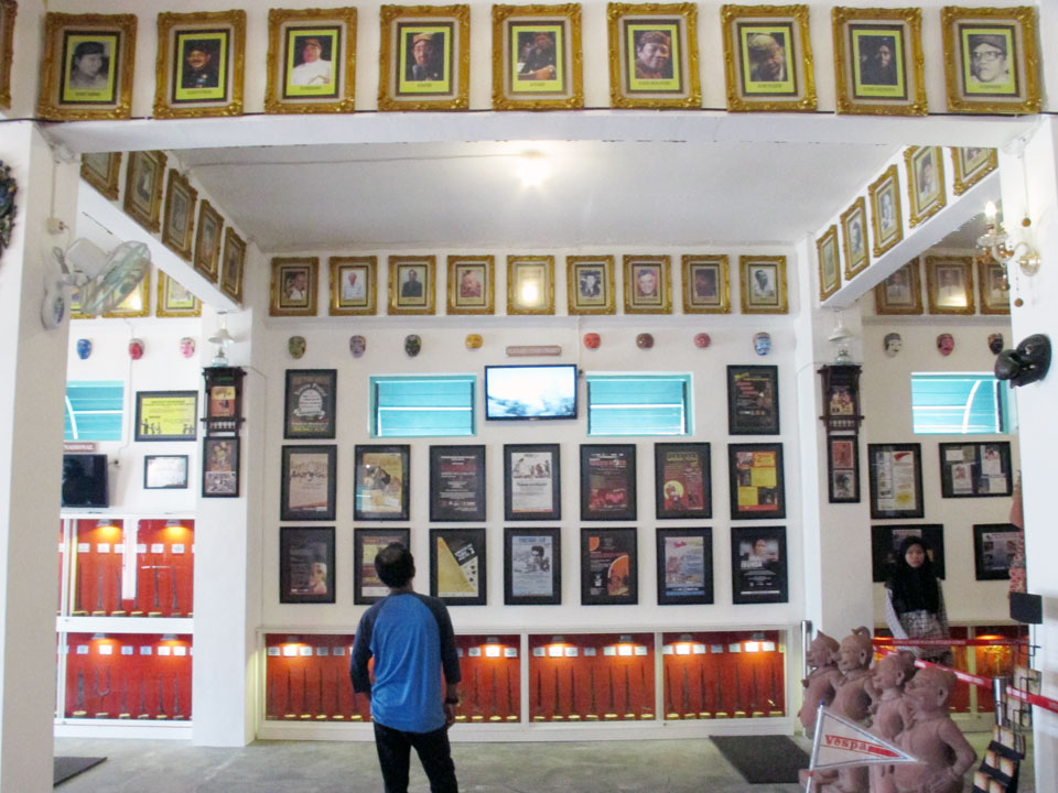 Membawa Kegembiraan Kesenyapan Museum Yogya Gudegnet Sanggar Gubug Wayang Kab