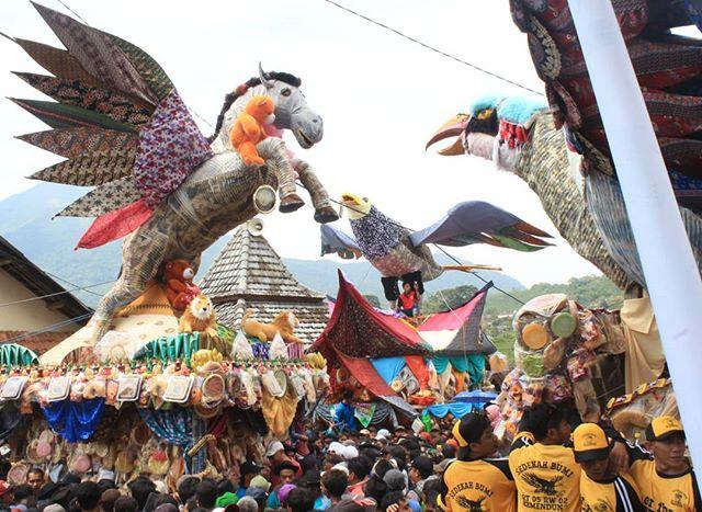 Posts Tagged Mojokertoberbudaya Picbear Tgl 25 04 2018 Rangka Sedekah