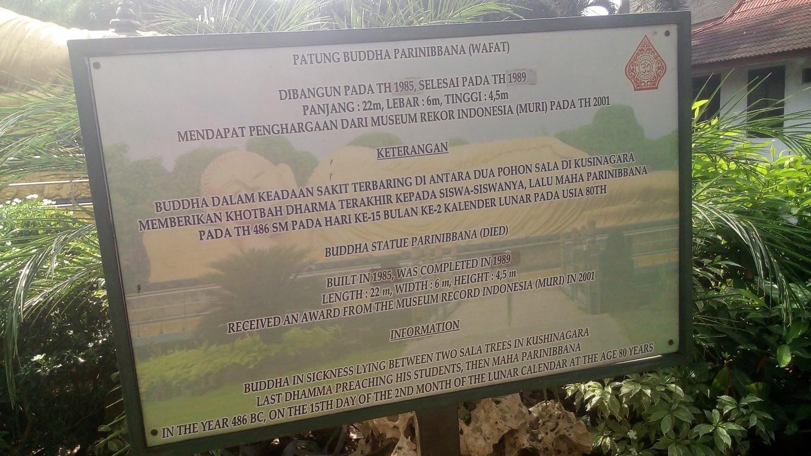 Berkunjung Maha Vihara Mojokerto Indonesia Punya Patung Buddha Tidur Dicat