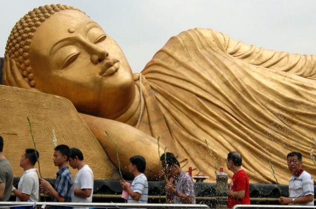 Daerah Patung Budha Tidur Terbesar Ketiga Dunia Berada Mojokerto Kab