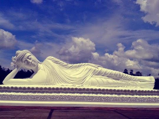 Dharma Giri Tabanan Bali Terkenal Patung Buddha Tidurnya Vihara Budha