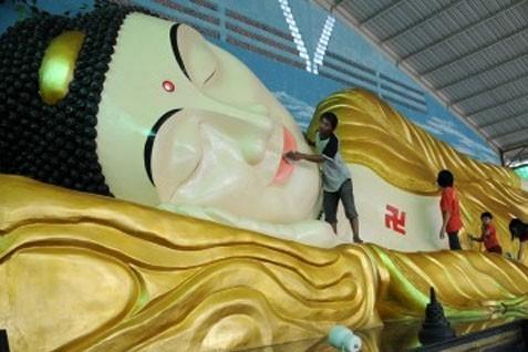 Patung Buddha Tidur Jadi Wisata Andalan Mojokerto Kabar24 Tempat Maha