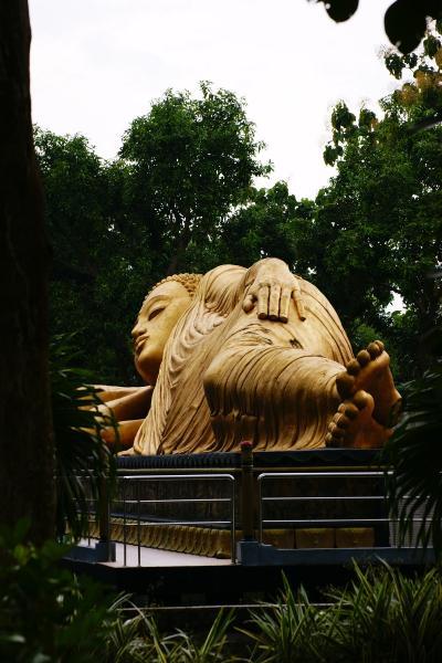 Patung Buddha Tidur Maha Vihara Mojopahit Trowulan Kabupaten Budha Kab